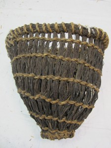 Shetland Museum FIS 2008.111 heather and flos bait kuddi