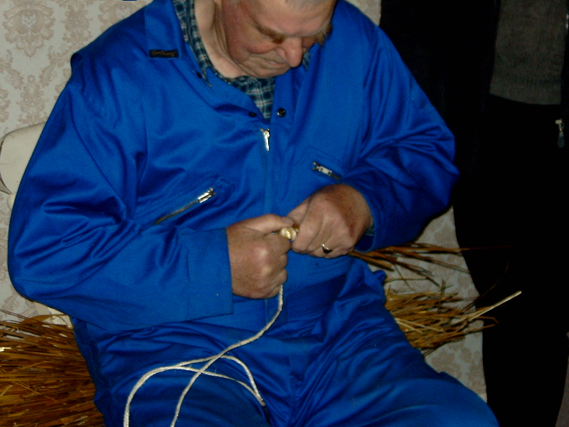 Starting coiling. Jimmy Work, Shetland 2007